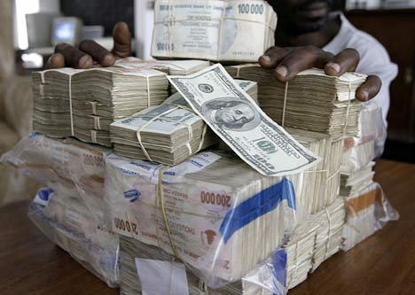 Economists ponder Zimdollar return